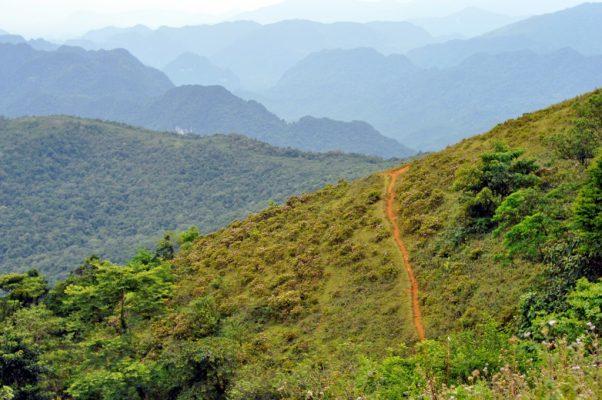Trek đỉnh Pù Luông