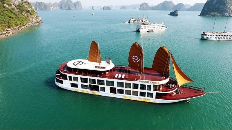du thuyền 5 sao Hạ Long