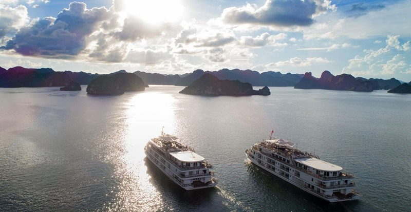 Top 5 du thuyền 5 sao Hạ Long