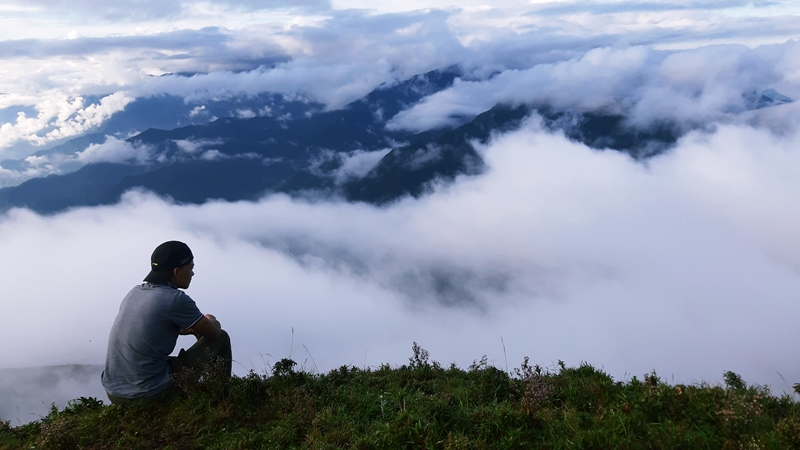 Leo núi Tà Chì Nhù